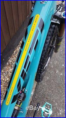 2017 Yeti Sb4.5c T-series Turquoise Medium Frame & Fork