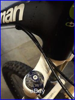 Boardman Pro HT Mountain Bike 19 Frame (Hydraulic Discs, 20 Speed SRAM Gears)