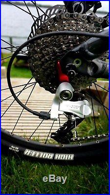 Giant Trance X1 Mountain Bike in great condition. Medium size frame