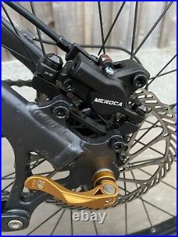 Giant full suspension mountain bike, Fox Float, Nrs 3, 26 Wheel, Medium Frame