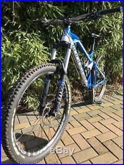 Mondraker dune Mountain Bike, Medium Frame
