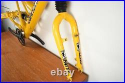 Mountain Bike Cannondale Super V400 Frame Fork 18 Crankset Stem