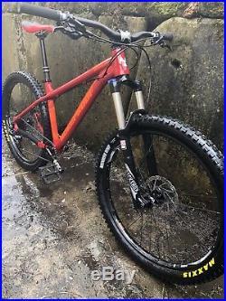 Nukeproof Scout 275 race 2018 mountain bike