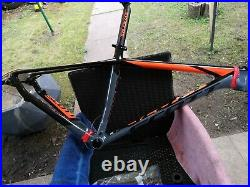 SCOTT SCALE 930 FULL CARBON FIBRE FRAME 142X12 Medium 17.5 H, Set Bottom Bracket