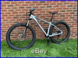 Specialized Fuse Comp 6Fattie MTB 27.5 wheels -Medium Frame