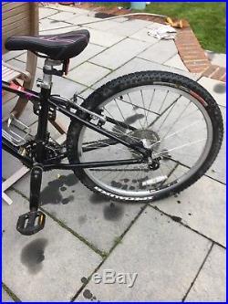 Specialized Hotrock Girls Mountain Bike 24inch Wheels 13 Frame