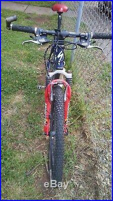 Specialized Stump jumper M2 Mountain Bike Blue TIres 26 Frame 17 Made In USA