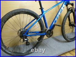 Trek Marlin 6 Mens mountain bike Blue M/L frame 27.5 wheels DN32-9AS