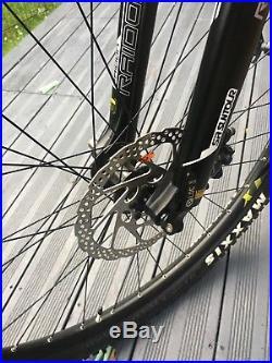Voodoo bizango 29er- 20 frame, 2x10 drivetrain, air fork mountain bike hardtail