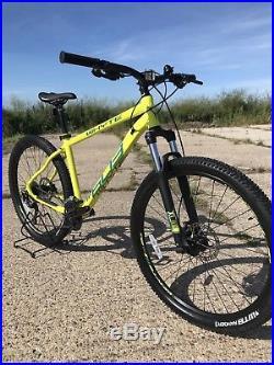 Whyte mountain bikes 603 year2018 Whyte 18 Frame Size(medium) mountain Bike